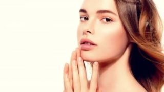ヒルドイドフォルテクリームの保湿力で肌が潤う女性